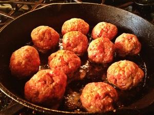 Meatball mushroom gravy